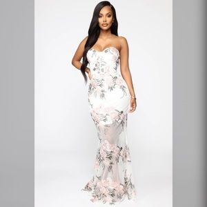 New with tag - Embroidered Fashionnova Gown